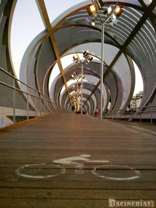 Puente-tornillo